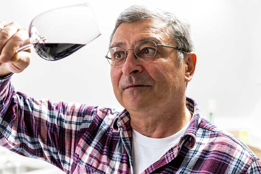 Weinlabor Klingler - Horst Klingler, Inhaber und Seele des Labors